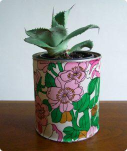 Vaso de planta com lata revestida de tecido