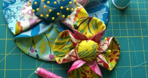 flor de tecido com enchimento passo a passo