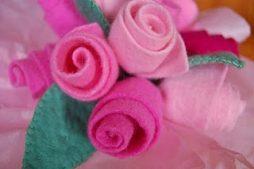 Rosas de feltro – como fazer passo a passo