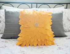 Capa de almofada girassol feita com feltro