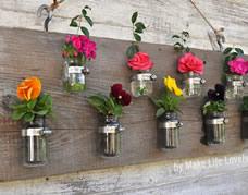 Reutilize embalagens de vidro fazendo vasos para flores