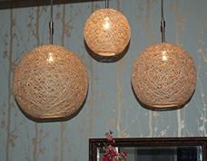 Luminária artesanal feita com fios de juta – uma maravilha