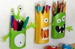 Monstros reciclados feitos com embalagem de xampu