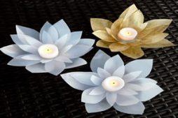 Velas decoradas em formato de flor