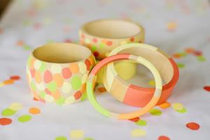Atividade escolar para o Dia das Mães – bracelete customizado