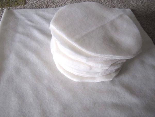 Cortar círculos de feltro