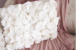 Como fazer almofada com rosas de feltro