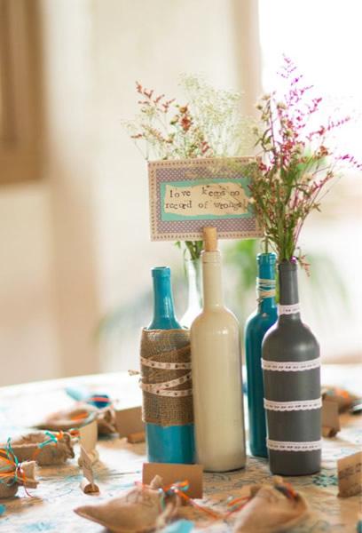garrafa decorada com tinta acrílica para casamento