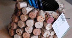 Ideia para reutilizar rolhas de vinho – porta lápis