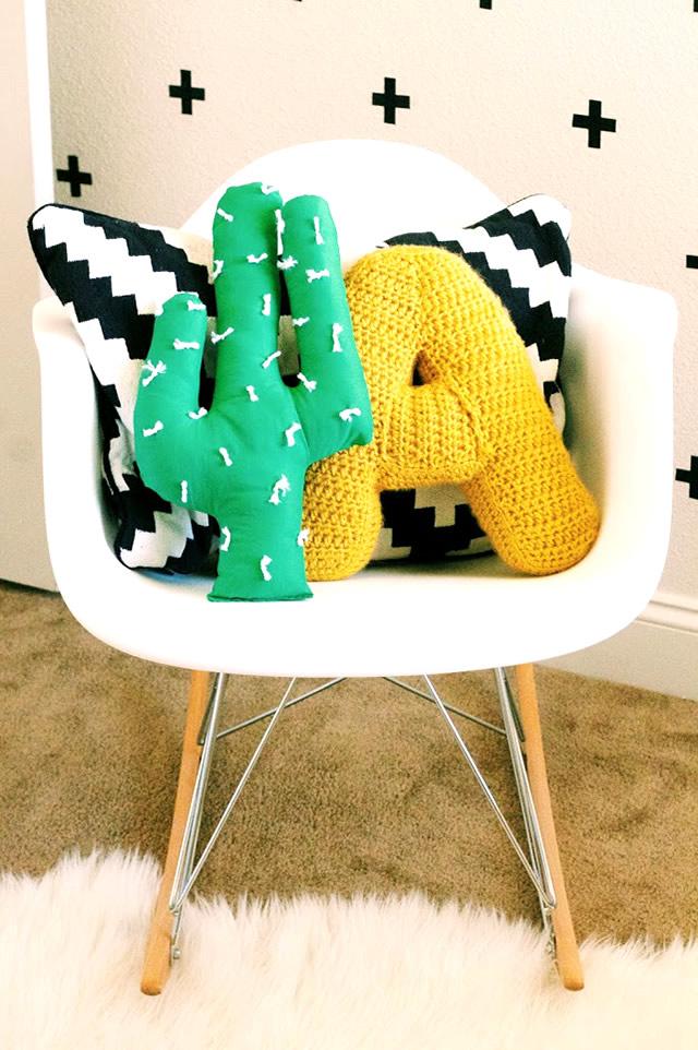 Incrível almofada em formato de cactus