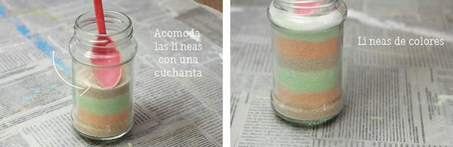 Acomode no frasco as camada do sal colorido com uma colher