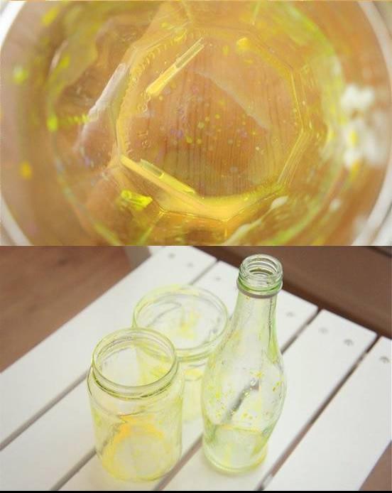 Resultado depois que despejar o líquido néon no frasco
