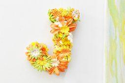 Letra Personalizada com Flores – Decoração Artesanal