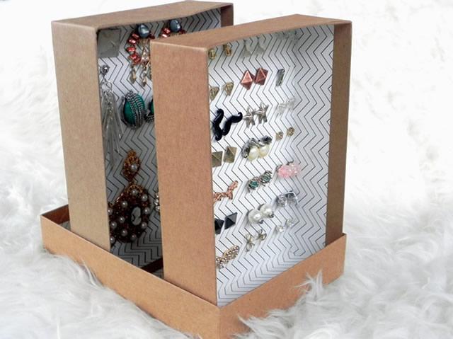 Porta-brincos em caixa de sapato