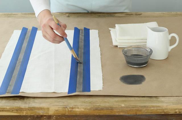 Demarque com a fita adesiva onde será feita a pintura
