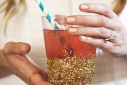 Copo Decorado com Glitter para Festas