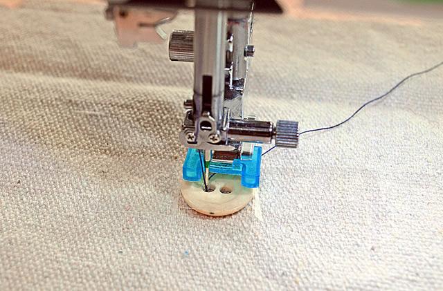 Pregue Botões com a Máquina de Costura