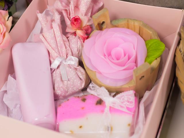 kit-de-banho-artesanal-rosas