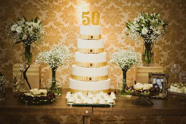 mesa bodas de ouro1