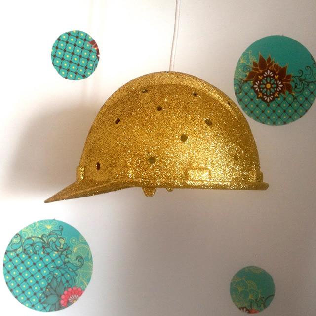 luminária pendente com capacete