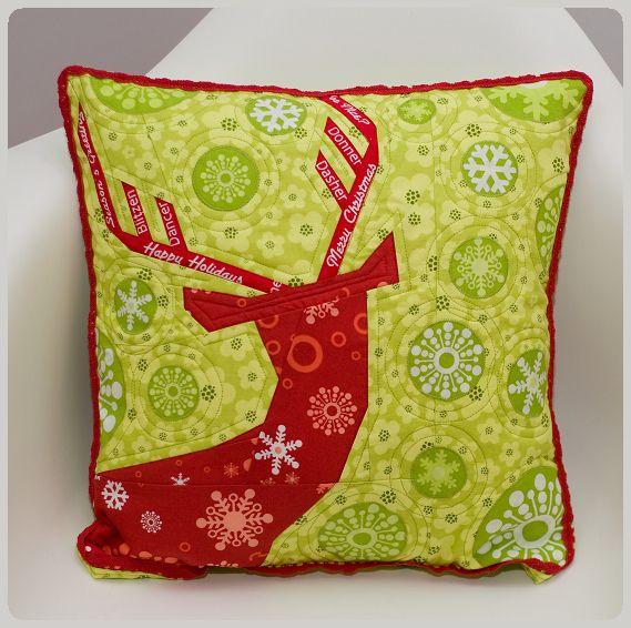 almofada de rena em patchwork