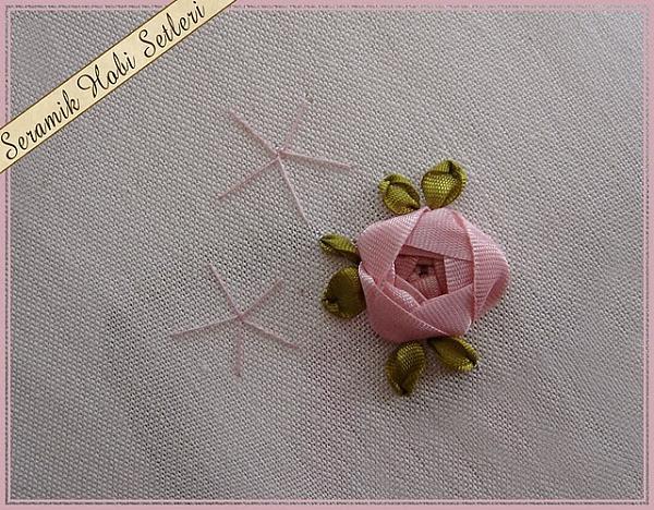 bordado com fita - passo a passo botão de rosa