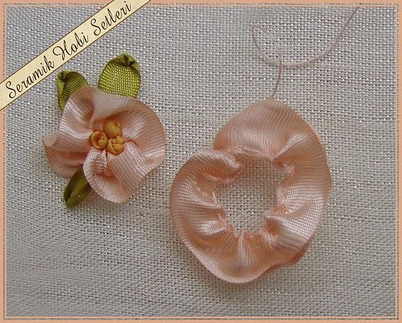 bordado flor - alinhave a fita