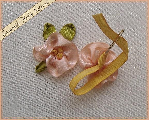 como fazer o miolo da flor de fita