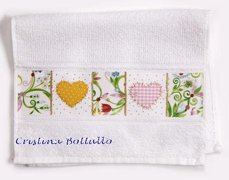 toalha-de-lavabo com decoupage em tecido