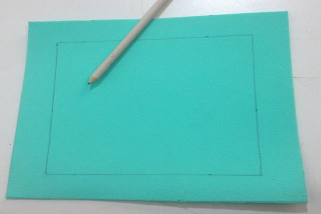 Faça um quadrado no eva