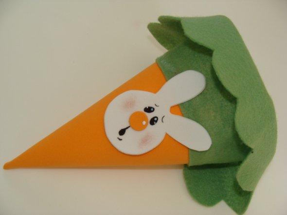 cenoura-de-feltro-lembrancinha-de-pascoa