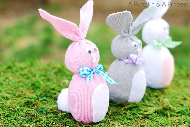 coelhos-feitos-com-meias