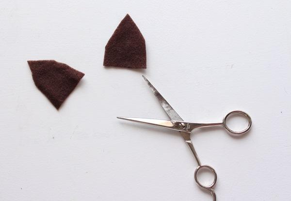 corte-duas-orelhas-no-feltro