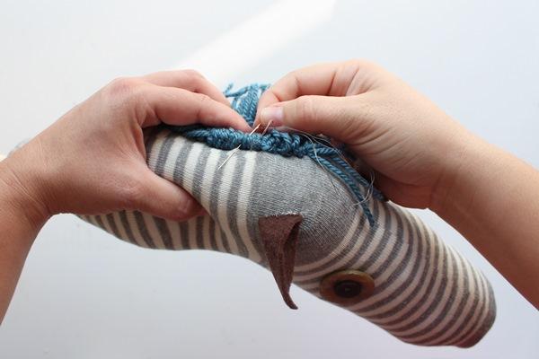 costura-a-crina-na-cabeça-do-cavalinho