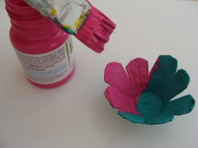 pinte-as-flores-com-tinta-pva