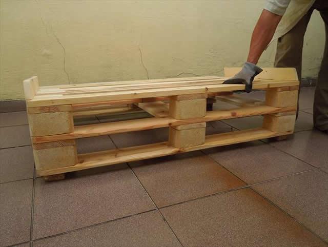 base-do-sofa-de-pallet