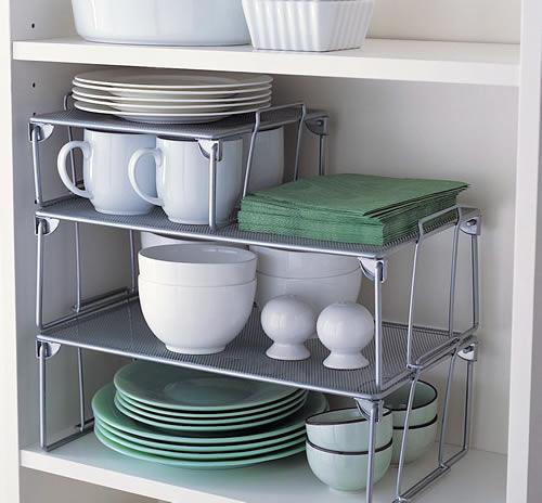 prateleiras-organizadadoras-para-armarios-de-cozinha