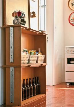armario-de-cozinha-com-gavetas-velhas