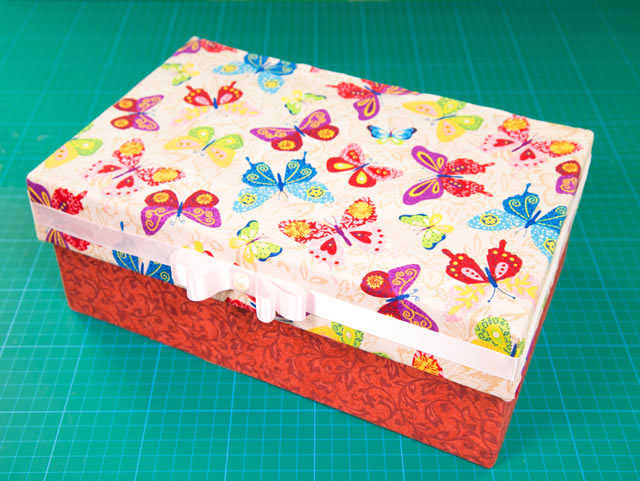 caixa-de-sapato-decorada-com-tecido-pap