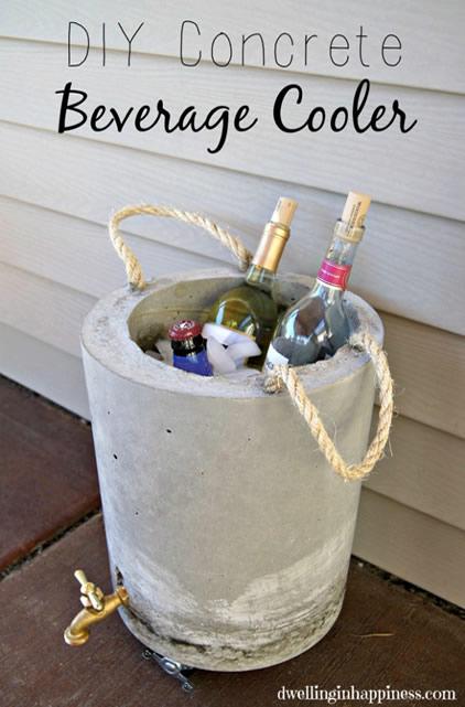 cooler-de-concreto-com-gelo-e-bebidas