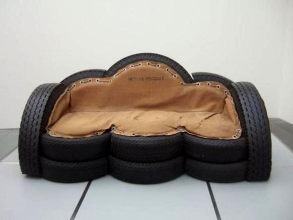 sofa-de-pneu-velho