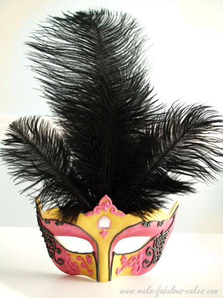 mascara-de-carnaval-com-plumas
