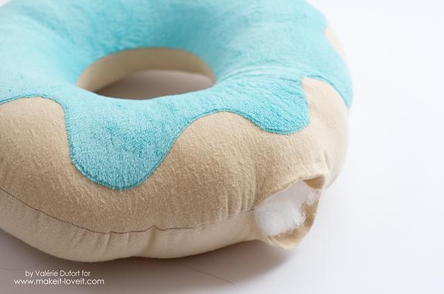 Descubra Como Fazer Uma Almofada De Donut Em Casa Revista Artesanato