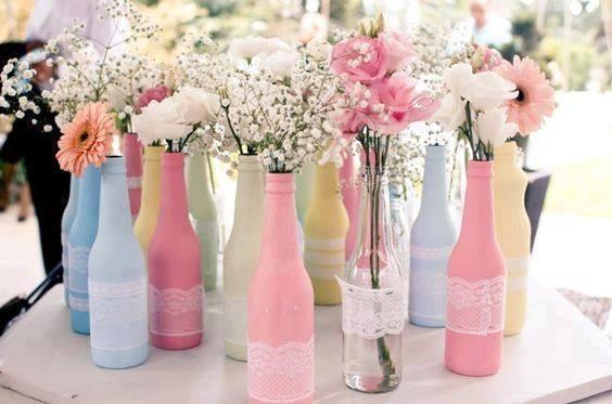 garrafas decoradas com renda para casamento