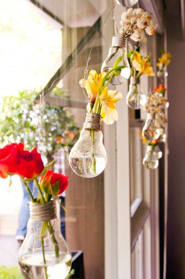 Vasinhos suspensos - lâmpadas usadas