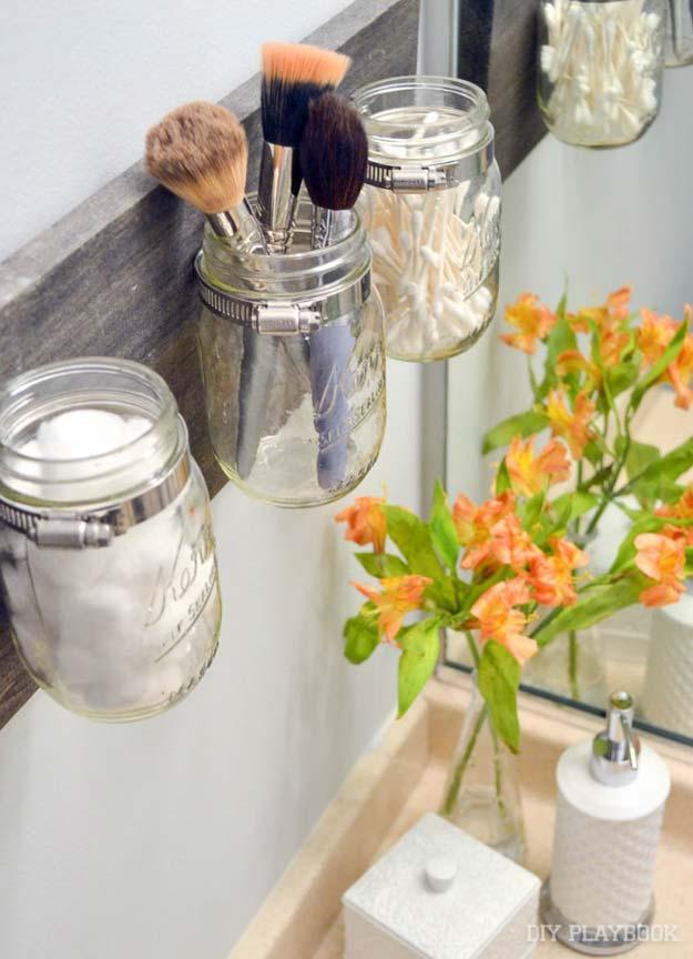 Organizador feito com potes de vidro