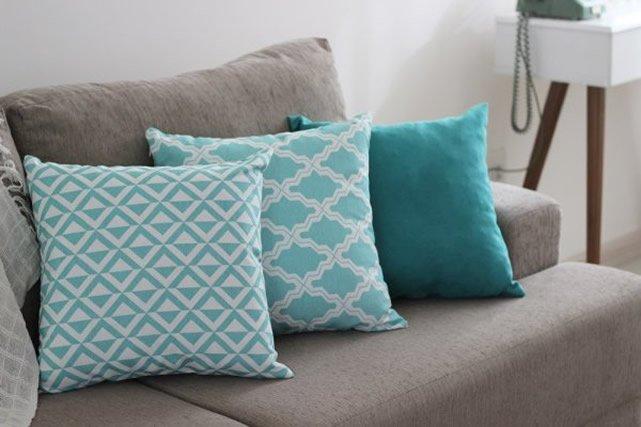 almofadas personalizadas com stencil