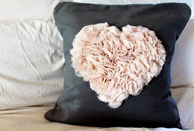 almofadas personalizadas com aplicação de tecido