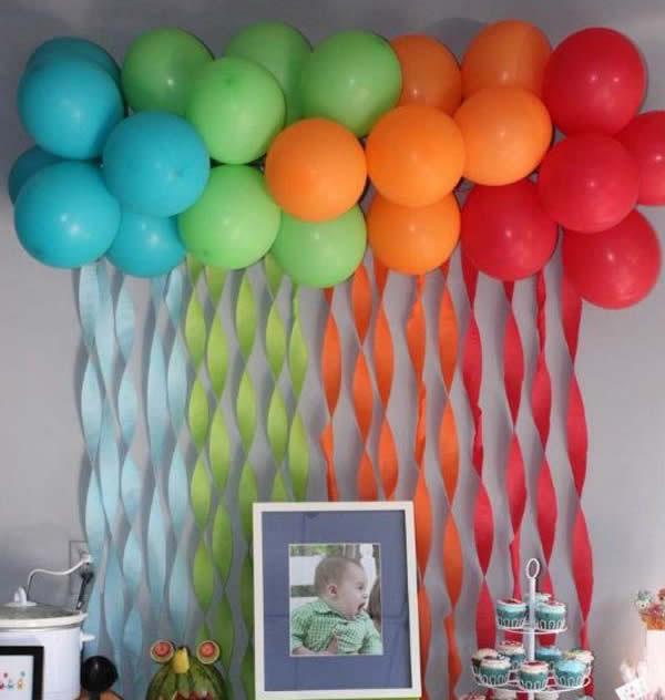 painel com baloes e papel crepom Revista Artesanato # Decoração Cha De Bebe Com Papel Crepom
