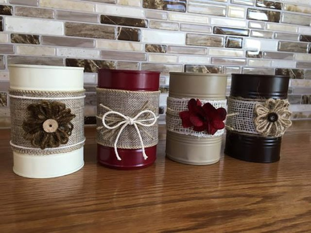 latas decoradas com flores